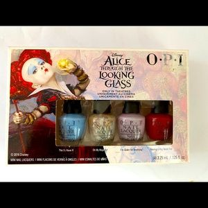 Opi mini nails polish Alice